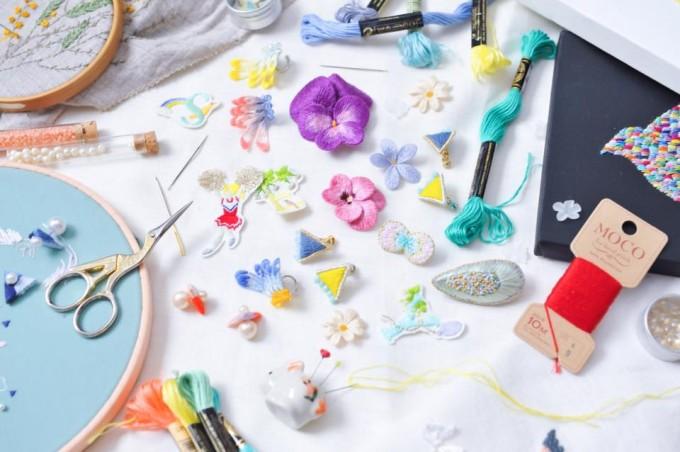 petterie(パタリー)のアクセサリーと刺繍道具