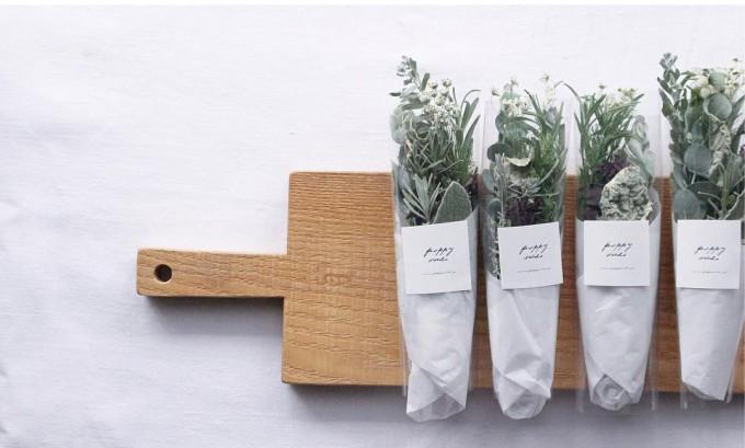 ポピーシーズのボタニカルアイテム。ハーブと草花のドライ束