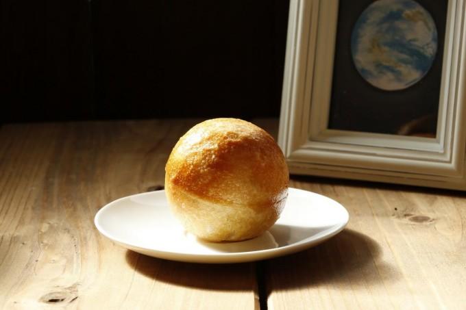 "「Star-bread Bakery」の""地球パン"""