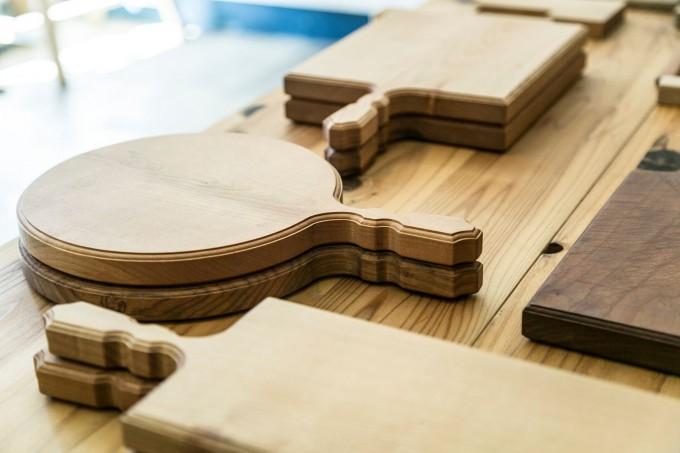 woodpecker(ウッドペッカー)の山桜で作られたまな板2つ