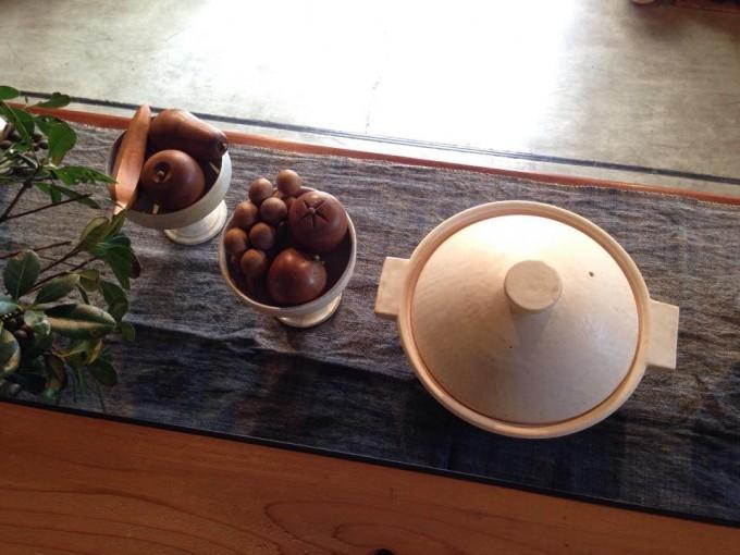 内田可織さんの土鍋の鍋で暖かい食卓を