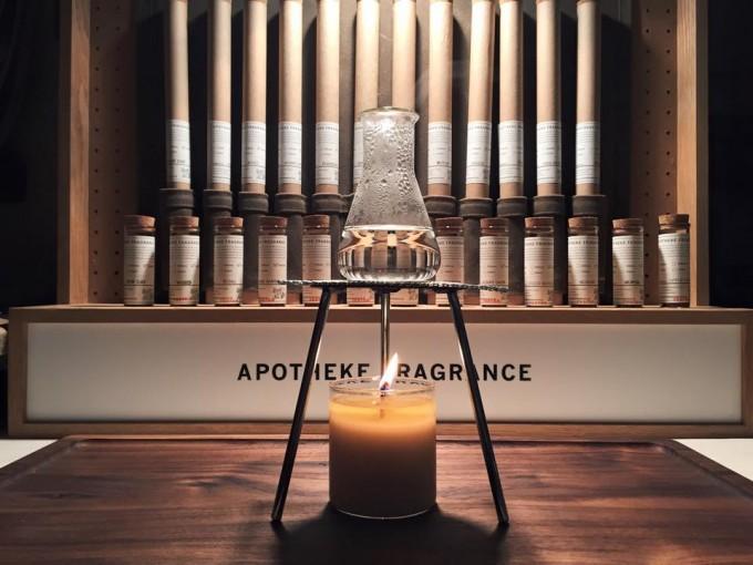 APOTHEKE FRAGRANCEのディスプレイ