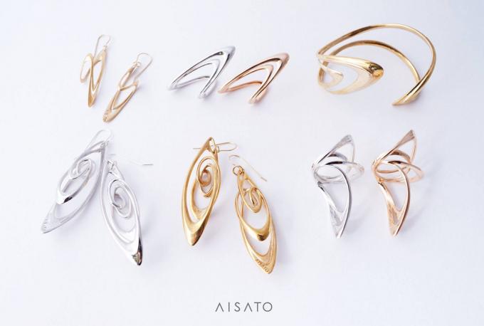 aisato(アイサトウ)の金属で作られたアクセサリー数種類