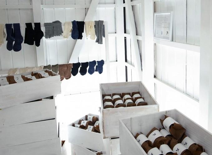 靴下ブランド「ponte de pie !(ポンテデピエ)」の店内写真