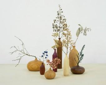 空間をきりりと引き締めてくれる、市川岳人さんの奥ゆかしい木工作品