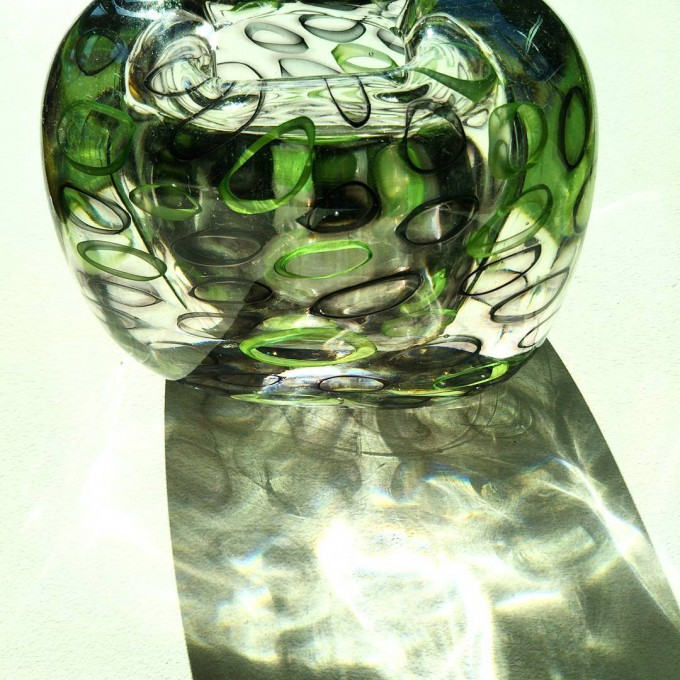 茨城県笠間のガラスギャラリー「Glass Gallery SUMITO」の貴島雄太朗さんのガラス花器の画像