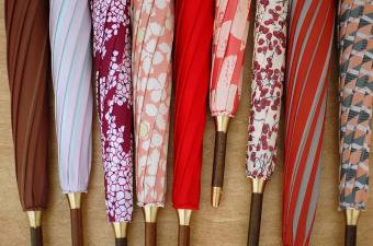 お店を持たない傘屋さん。「イイダ傘店」で見つける、毎日を楽しくさせる日傘や雨傘