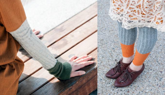ニットデザインにしなのウォーマーをそれぞれ手足に着用した女性2人