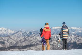 アクセス抜群&女性向けサービスが充実の快適「スキーゲレンデ」3選