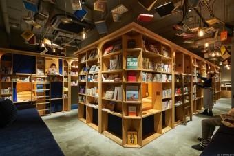 """注目の""""泊まれる本屋""""が京都にも。祇園に「BOOK AND BED TOKYO」2号店がオープン"""