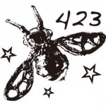 倉持順子さんが手掛けるアクセサリーブランド「423(しじみ)」のロゴ画像