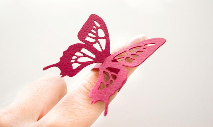 新感覚のアクセサリー「Paper Jewelry」のリングはディスプレイにも