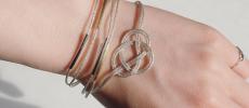 NIJI SONG(ニジソング)の銀糸で作った淡路結びブレスレット