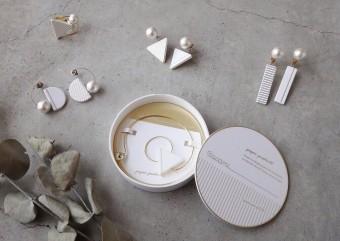 紙と異素材のコントラストが楽しい、シンプルながら上品なアクセサリー「ilocami」