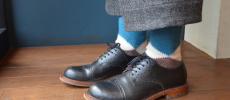 SOC TOKYOのウール100%の靴下を履いている足