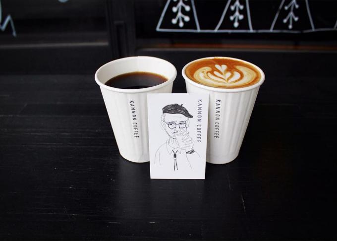 KANNON COFFEE(カンノンコーヒー)のドリンクとショップカード
