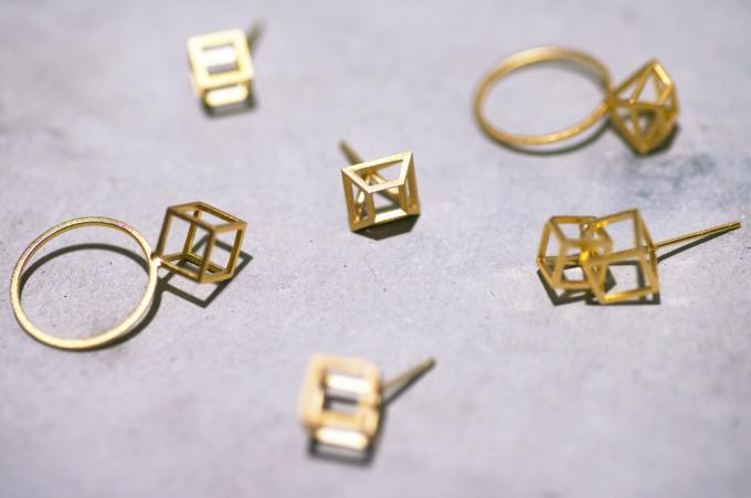 yuの金属を使ったリングやピアス数種類
