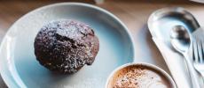 MINOU BOOKS & CAFEのマフィンやドリンク