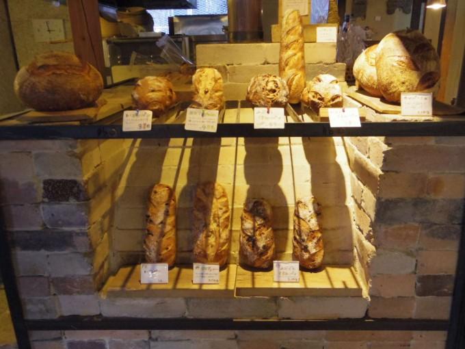 「tombolo(トンボロ)」で販売している天然酵母パン