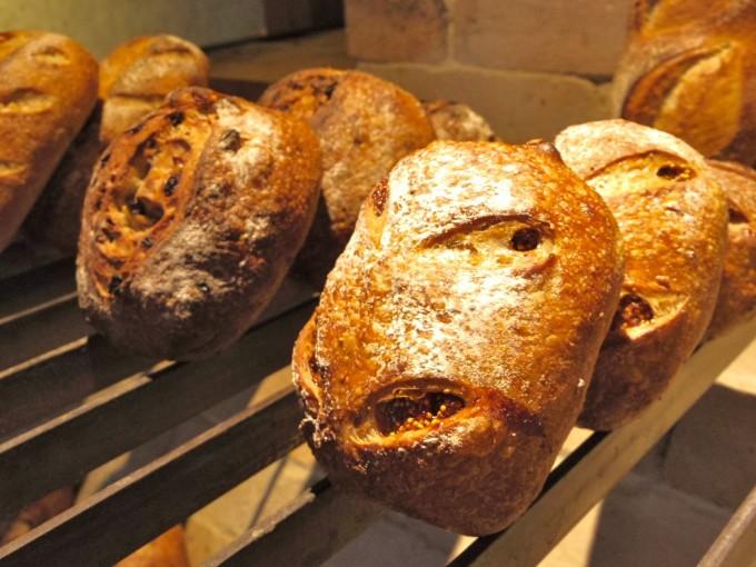 「tombolo(トンボロ)」の自家製酵母パン