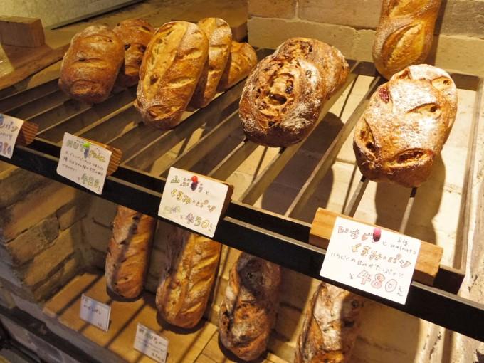 フランスの伝統的製法で作られた「tombolo(トンボロ)」のパンたち