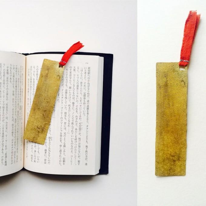 「tomomi Ishikawa(ともみいしかわ)」の真鍮アイテム栞