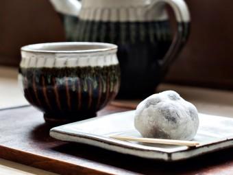 優しい甘さでほっとひといき。ホクホクモッチリな丹波黒豆を使った和菓子のお店「しろいくろ」