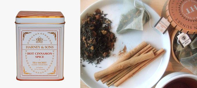 ホットシナモンスパイスの缶と中身のシナモンや茶葉