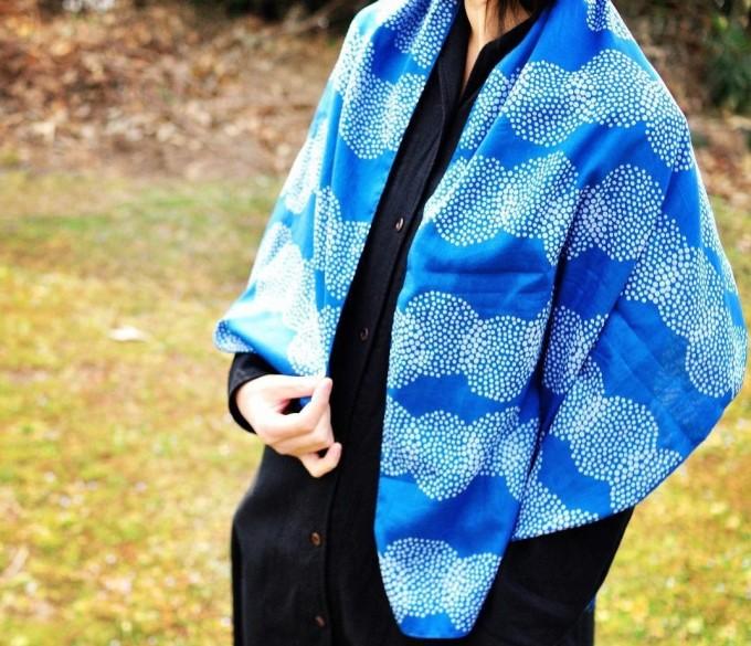 青い「ものあい」の藍染✕型染ストール