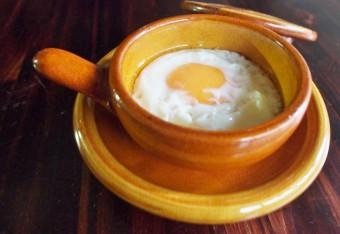 バーナード・リーチゆかりの山陰の窯。湯町窯の「エッグベーカー」で朝ごはんを贅沢なひとときに