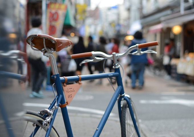tokyobikeのレンタル用自転車と街並み