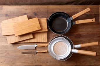 ひとつは持っていたい、本格的な調理器具。職人さんの手仕事の技が光る「九雲」のプロダクト