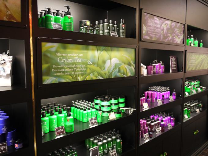 緑やピンクのボトルの「スパセイロン」のアイテム