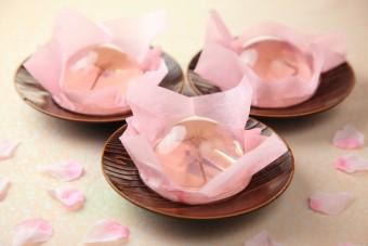 ほんのり甘い春の味。菓子舗榮太楼の「桜咲く さくらゼリー」が今年も登場