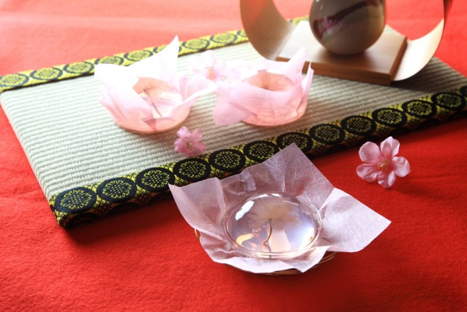 秋田の菓子舗榮太楼の「桜咲く さくらゼリー」でお花見
