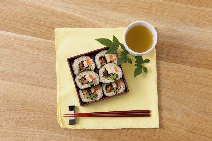 お花見やピクニックにおすすめの「ベジタリアン巻き寿司」