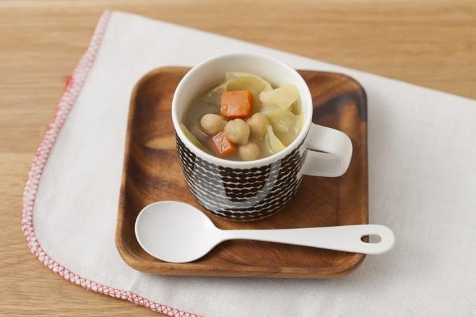 カレーが隠し味「春キャベツと有機ひよこ豆スープ」の写真