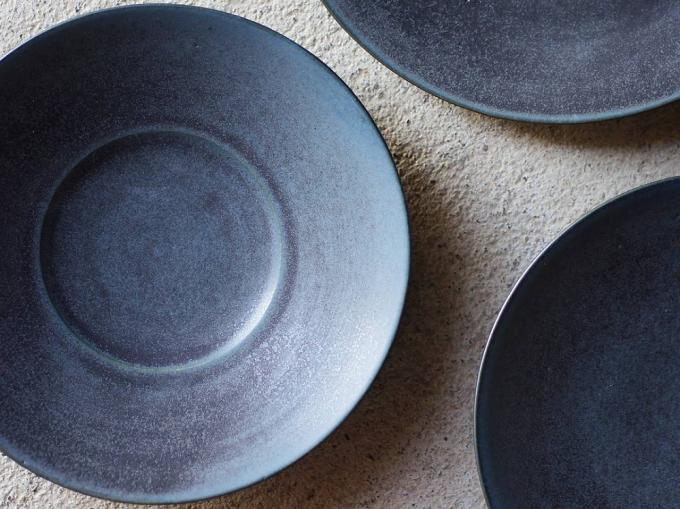 Yuka Andoの陶器製のお皿3枚