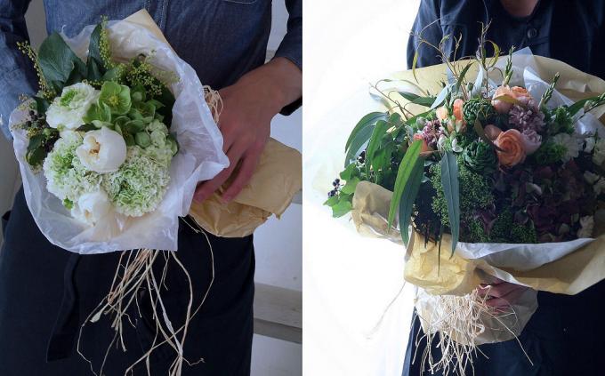 「ZAIKUCRAFT」の2種類の花束を、それぞれ手に持っているところ