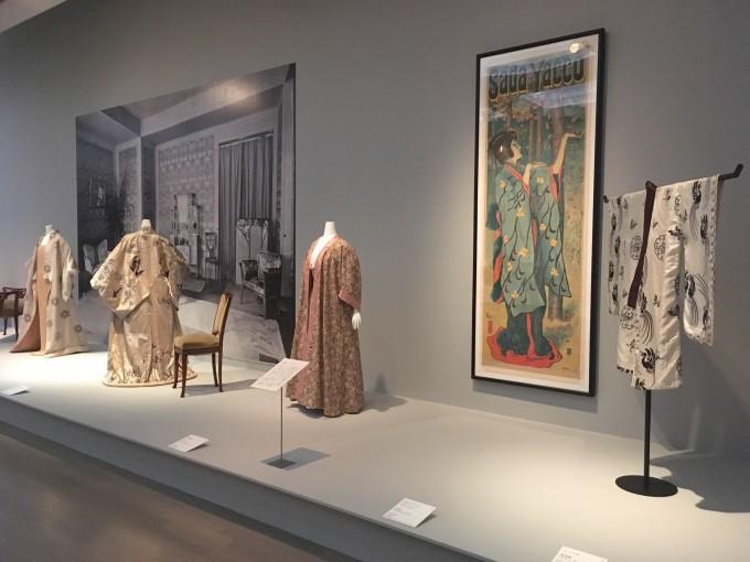 「ファッションとアート 麗しき東西交流」展 展示風景