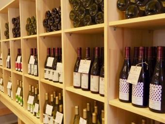 国内外のワイナリーで産みだされる、こだわりと想いのつまった特別な『ワイン』たち