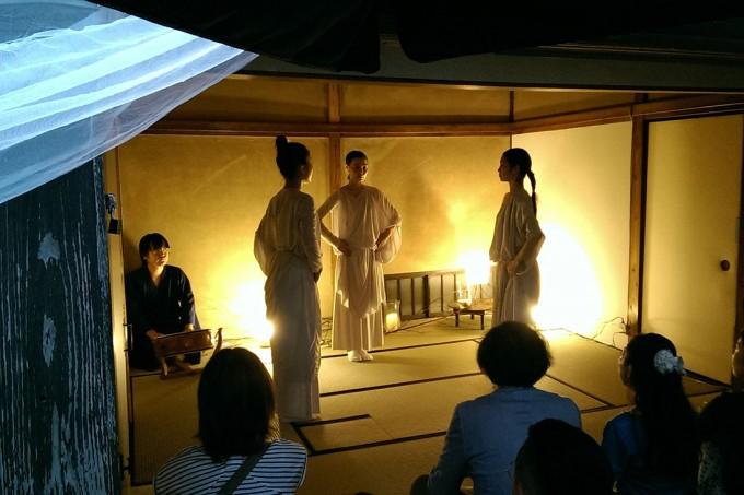 「上野桜木あたり」のコミュニティスペース「みんなのざしき」で、イベントを行っているところ