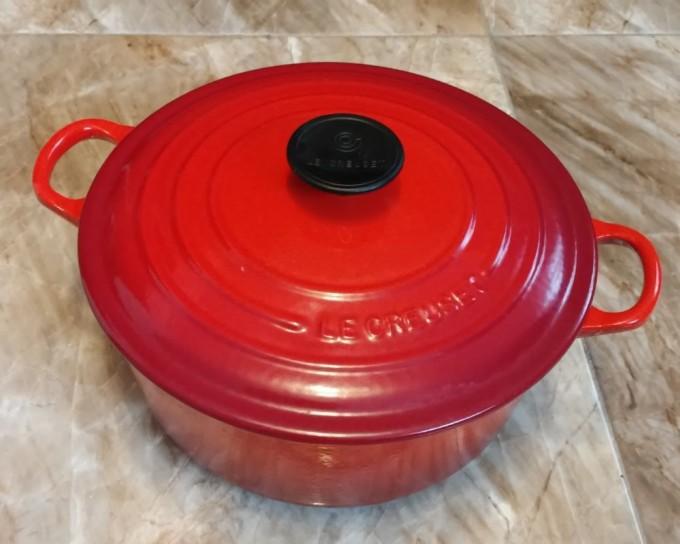 ル・クルーゼの赤い鍋(シグニチャー ココット・ロンド 24cm)