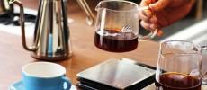 エアロプレスの大会で日本一に輝いたバリスタ宮崎さんがメインで店頭に立つライトアップコーヒー下北沢
