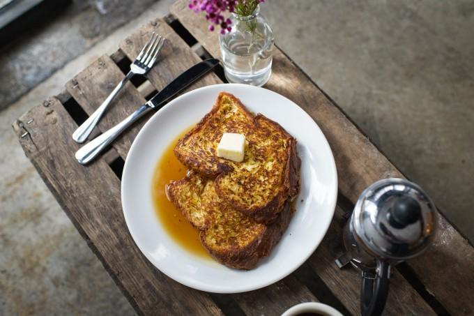 ブリオッシュパンを使った「エッグ(egg)」のフレンチトースト