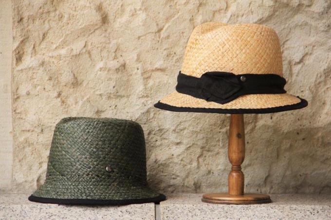 「nine(ニーネ)」の帽子2種類