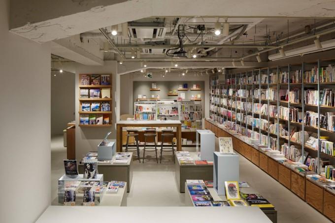 BOOK LAB TOKYOの店内にあるつくる人向けの本たち