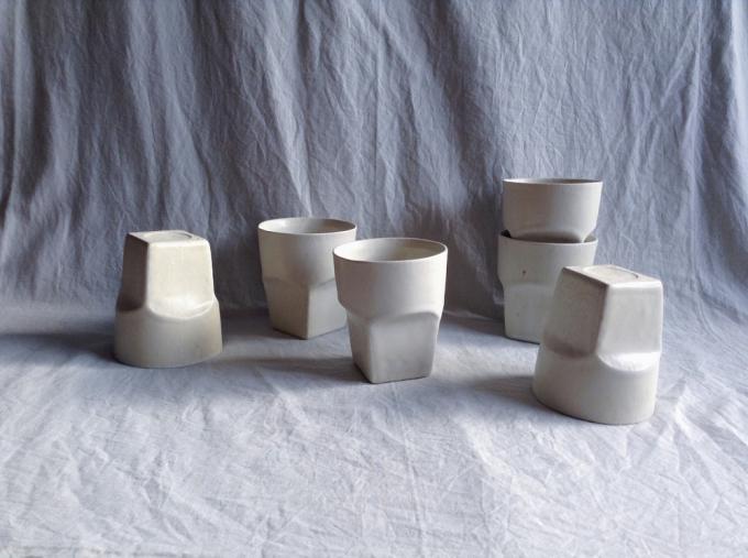 デザイン性と使いやすさに優れた「ritsuko imai(リツコイマイ)」の白くてシンプルなコップたち