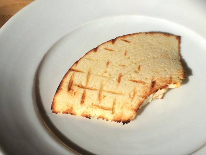 「DERBAR(デルベア)」のバウムクーヘンをトーストした様子