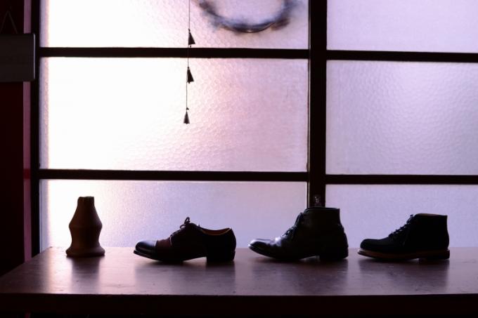 「9月製作」の革靴とレザーシューズ4足